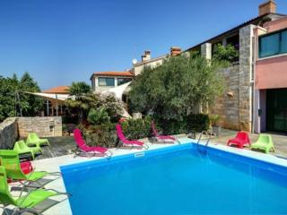 Bright 4 bedroom House in Pula - Pula vacation rentals
