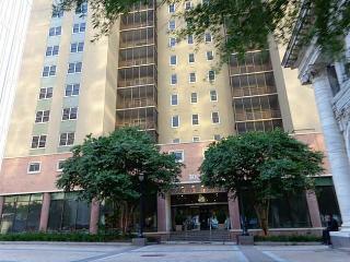Large, Comfortable, 2bed/2bath in Heart of Atlanta - Atlanta vacation rentals
