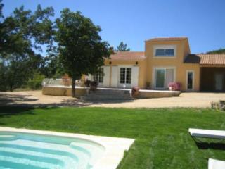 3 bedroom Villa with Internet Access in Reillanne - Reillanne vacation rentals