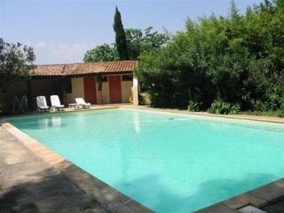 Perfect Condo with Internet Access and A/C - Arles vacation rentals