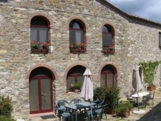 2 bedroom House with Internet Access in Castellina In Chianti - Castellina In Chianti vacation rentals