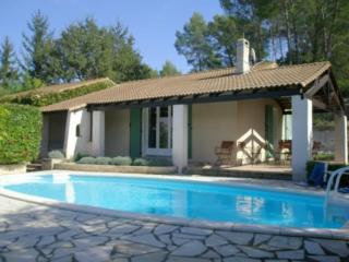 Cozy Condo with Shared Outdoor Pool and Television - Lorgues vacation rentals