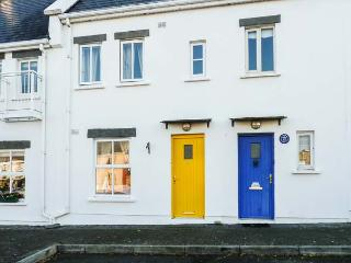 NUMBER 8, mid-terrace, open fire, off road parking, shared courtyard, in Liscannor, Ref 19800 - Liscannor vacation rentals
