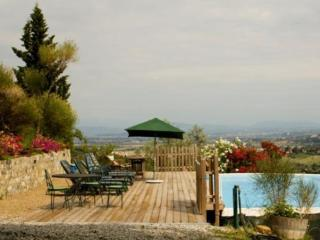 Nice Condo with Shared Outdoor Pool and Television - Carmignano vacation rentals