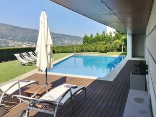 Modern villa with swimming pool close to Viana do Castelo - Caminha vacation rentals