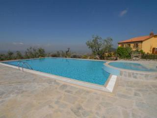 Nice Condo with Internet Access and Shared Outdoor Pool - Cintolese vacation rentals