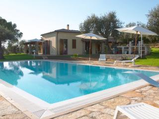 Bright 4 bedroom Alghero Villa with Internet Access - Alghero vacation rentals