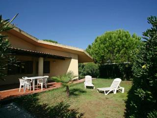 Cozy Villa with Balcony and Garden - Orbetello vacation rentals