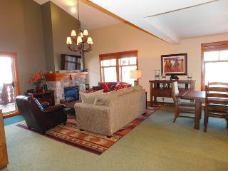 Gorgeous House with Deck and Internet Access - Solitude vacation rentals