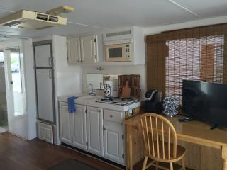 "Comfortable ""Cozy"" House Boat for Couples - Tavernier vacation rentals"