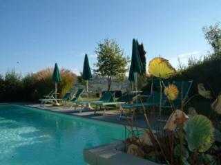 Beautiful House with Internet Access and Dishwasher - San Gimignano vacation rentals