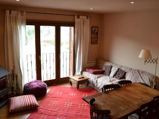 Comfortable Llivia vacation Apartment with Television - Llivia vacation rentals