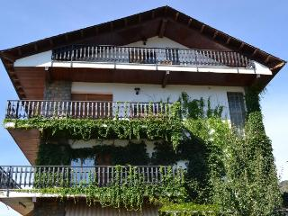 Perfect 3 bedroom Apartment in Bellver de Cerdanya with Internet Access - Bellver de Cerdanya vacation rentals