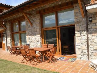 4 bedroom House with Microwave in Montella - Montella vacation rentals