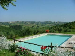 Nice Condo with Shared Outdoor Pool and Television - Poggibonsi vacation rentals