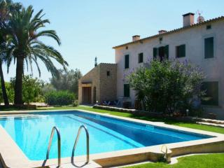 Nice Condo with A/C and Shared Outdoor Pool in Consell - Consell vacation rentals