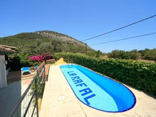 Cozy Condo with Internet Access and Shared Outdoor Pool - Pollenca vacation rentals