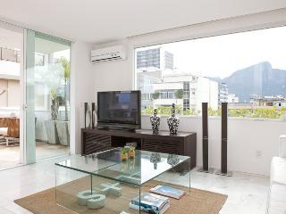 LUXURY 4-BDR PENTH. IPANEMA Y11-001 - Rio de Janeiro vacation rentals