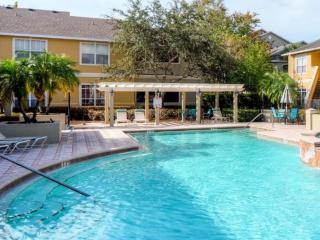 MODERN CONDO IN GATED COMMUNITY MINUTE FROM BEACH - Clearwater vacation rentals