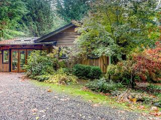 Mountain paradise with private hot tub and all the conveniences of home - Welches vacation rentals