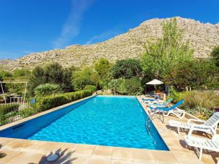 Nice Condo with Internet Access and A/C - Puerto Pollensa vacation rentals
