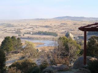 ROCKY TOPS sleeps 10 amazing views - Dalgety vacation rentals