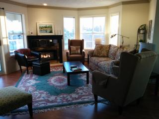 Steps to beach and boardwalk! Spacious, affordable - Parksville vacation rentals