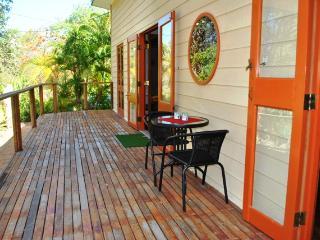 Arcadia Cabin, 4/23 McCabe Crescent, Arcadia - Arcadia vacation rentals