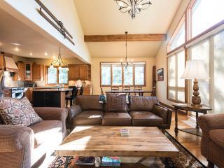 Powder Landings- Sleeps 13+, 5 min walk to gondola - Steamboat Springs vacation rentals