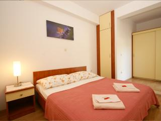 Comfortable apartment for 3 people - Tucepi vacation rentals