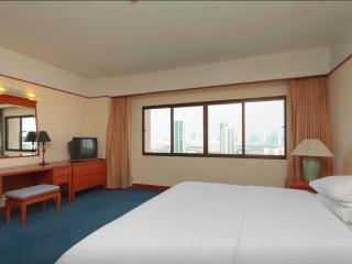 High floor Central 2 bedrooms apartment in Bangkok - Bangkok vacation rentals