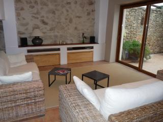 Nice 3 bedroom House in St Genies de Fontedit - St Genies de Fontedit vacation rentals