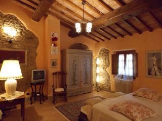 Villa Ligheia, immerso nelle colline fiorentine - Gambassi Terme vacation rentals