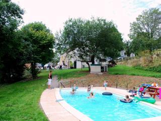 Ferme 13 pers. piscine chauffée/court de tennis - Chaumard vacation rentals
