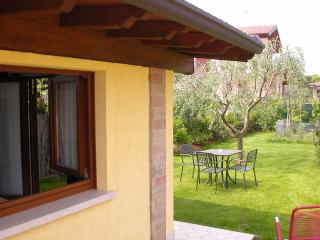 Il Melograno, Cottage 4 people, Pool, WIFI, Quiet - Raffa vacation rentals