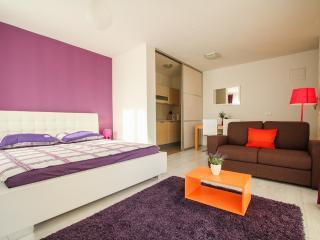 Modern studio apartment, near the sea/nice view - Okrug Gornji vacation rentals