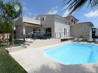 4 bedroom Villa with Internet Access in Cagnes-sur-Mer - Cagnes-sur-Mer vacation rentals