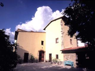 Eridu, your home away from home - Fiesole vacation rentals