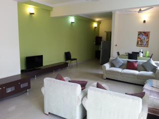 Comfortable Condo with Television and Satellite Or Cable TV - Mysore vacation rentals