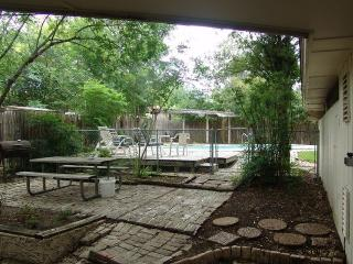 Beautiful House with Internet Access and A/C - San Antonio vacation rentals