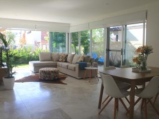 Nice 1 bedroom Floreat Condo with Washing Machine - Floreat vacation rentals