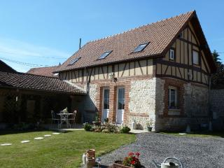 2 bedroom Gite with Internet Access in Acquigny - Acquigny vacation rentals
