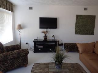 Perfect 3 bedroom Condo in Hidden Valley with Short Breaks Allowed - Hidden Valley vacation rentals