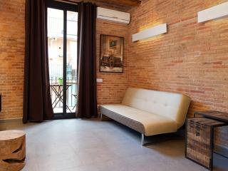 Art Gallery Apartment 3A - Barcelona vacation rentals