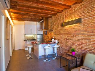 Art Gallery Apartment 2A - Barcelona vacation rentals