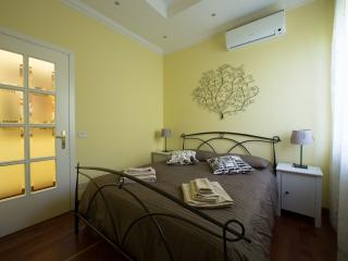 Paolo's Apartment in Trastevere - Rome vacation rentals