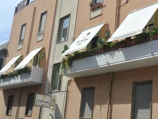 Design B&B in the heart of Reggio Calabria - Reggio di Calabria vacation rentals