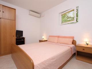 TARA Double Room with Kitchen (Bungalow) - Rovinj vacation rentals