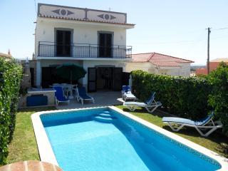 Casa Silvestre, zona tranquila com  boas tarifas - Albufeira vacation rentals