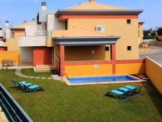 Jardim da Branqueira  L 4 bedrooms villa with private pool - Albufeira vacation rentals